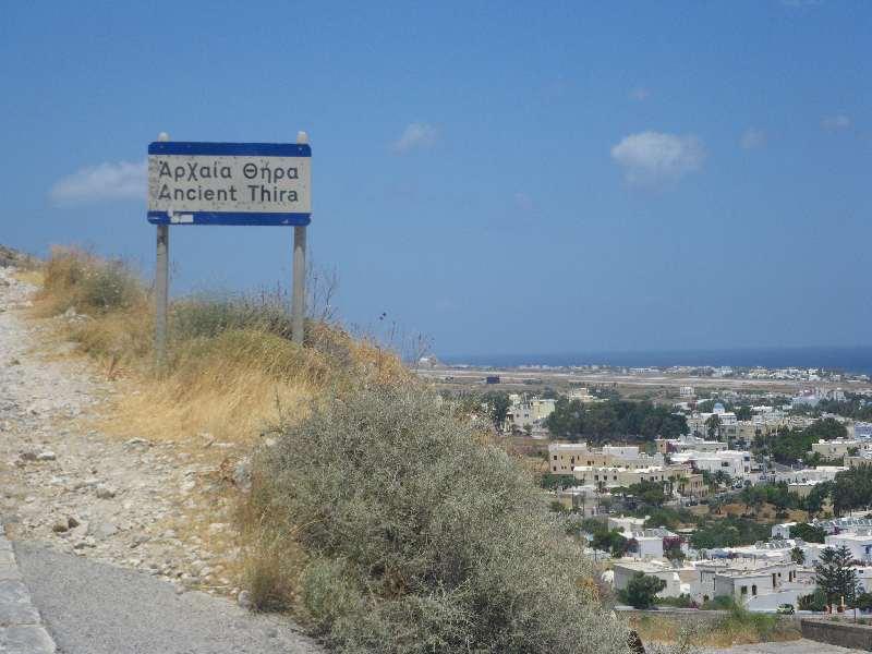 Zufahrt zu Alt-Thira
