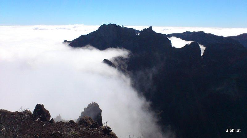 Pico do Arieiro in der Ferne