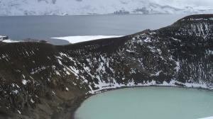 Zwei Kraterseen - Oeskjuvatn und Viti (vorne)