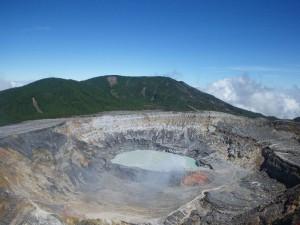 Vulkankrater Poás, mit Säuresee